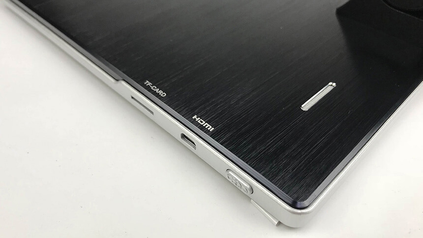 Labomed iVU Touch Screen HDMI Port